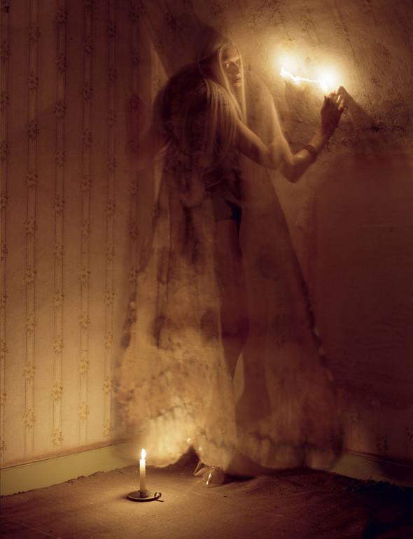 Съёмка: Кристен Макменами в объективе Тима Уокера. Изображение № 14.