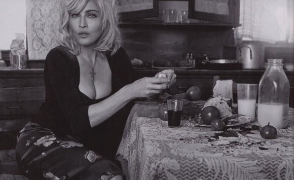Мадонна в новой рекламе Dolce & Gabbana. Изображение № 3.