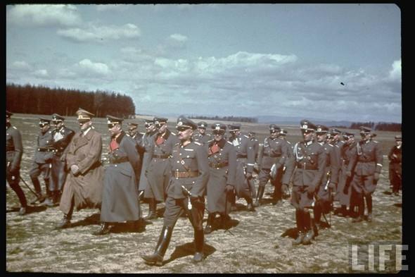 100 цветных фотографий третьего рейха. Изображение №79.