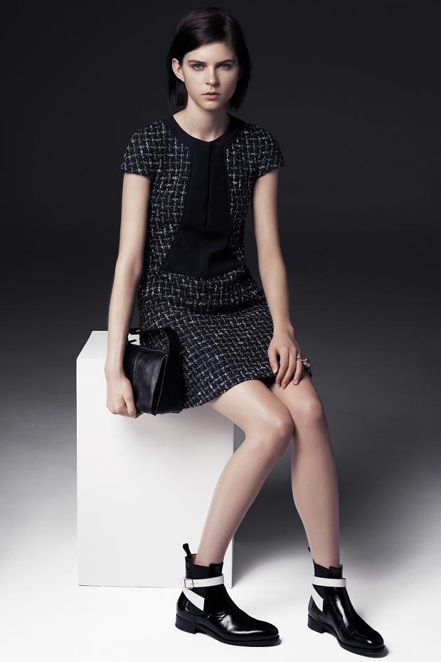 Показаны новые лукбуки Balenciaga, Chanel и Zac Posen. Изображение № 37.