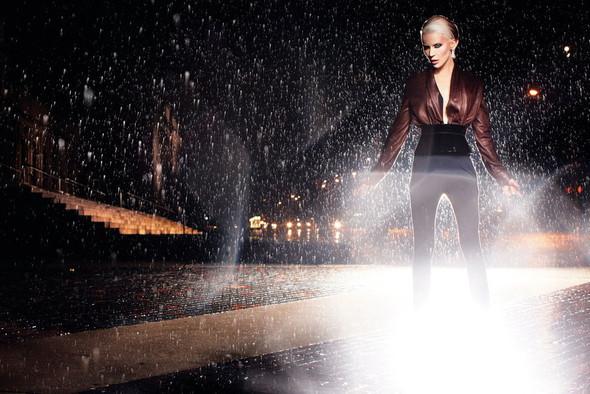 Съёмка: Дафна Гиннесс для Vogue. Изображение № 6.