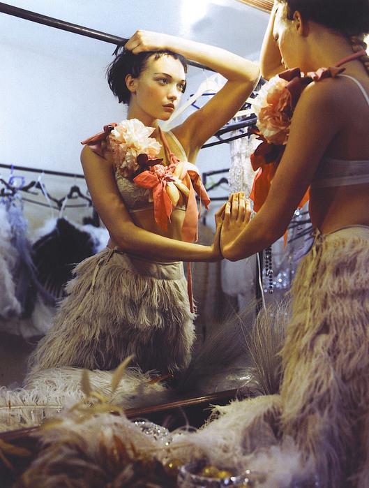 Мечты Болливуда (Vogue India October 2007). Изображение № 9.