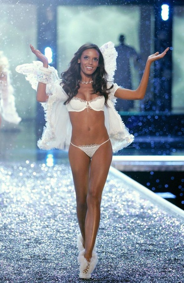 Victoria's Secret Lingerie Fashion Show 2008. Изображение № 36.