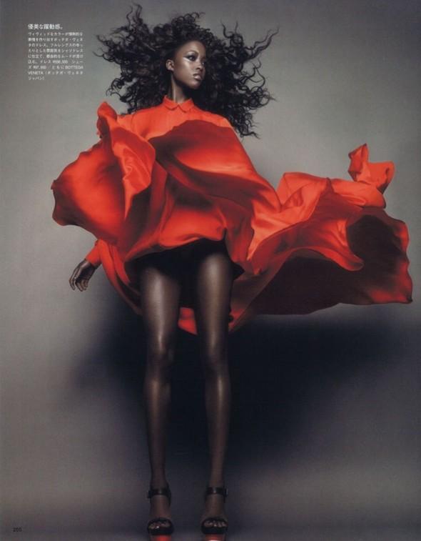 Съёмка: Няша Матонодзе для японского Vogue. Изображение № 5.