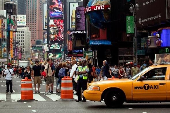 Площадь Таймс-сквер стала пешеходной. Изображение № 20.