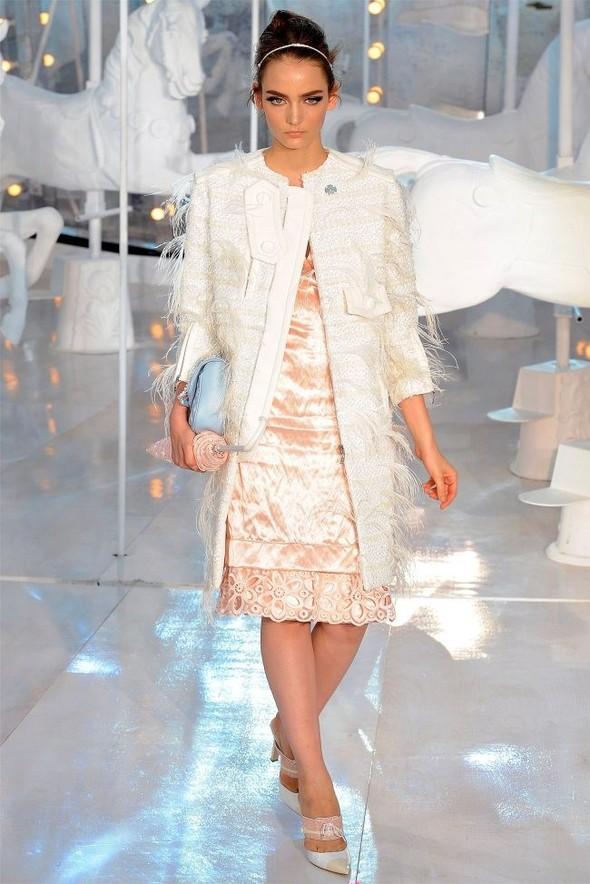 Неделя моды в Париже: Louis Vuitton весна 2012. Изображение № 43.