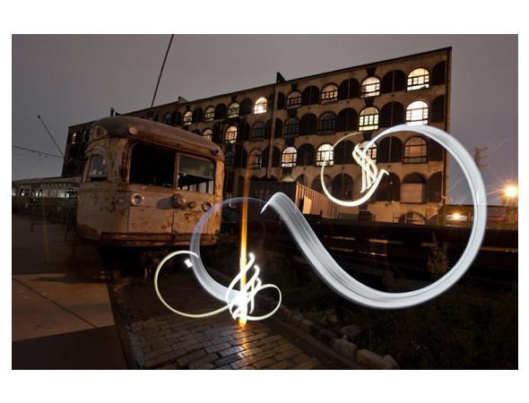 Найдено за неделю: Световая каллиграфия, натюрморты в одном тоне и панорамы разрушенных зданий. Изображение № 1.