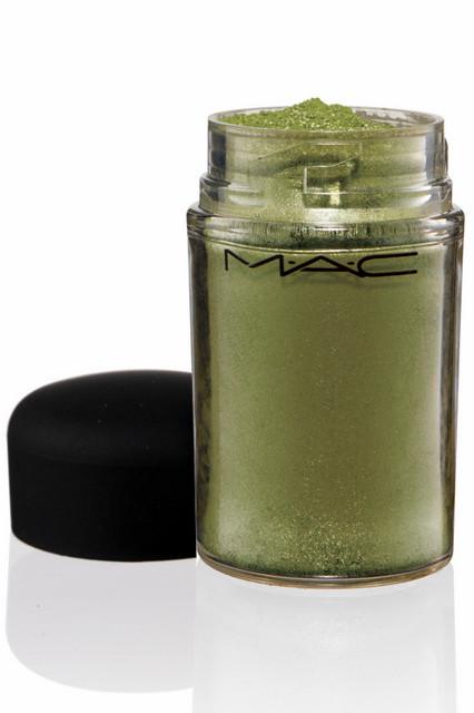 Лицом новой коллекции M.A.C стала фотограф Синди Шерман. Изображение № 29.