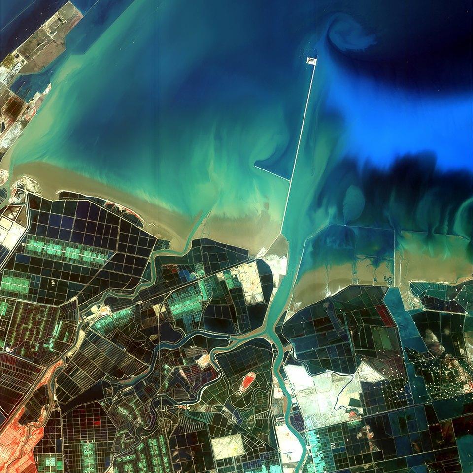 Как выглядит Китай: Сюрреалистичные фотографии из космоса. Изображение № 4.