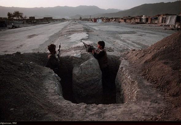 Война через объектив камеры Стива МакКарри. Изображение № 10.