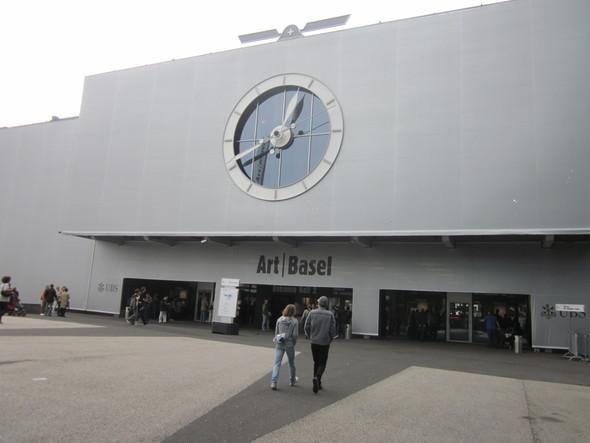 Изображение 1. Art 42 Basel 2011 - крупнейшая выставка современного искусства в Европе.. Изображение № 1.