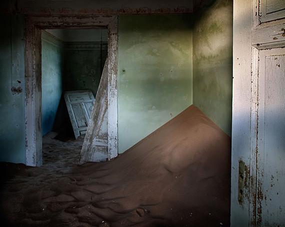 Изображение 10. Alvaro Sanchez-Montañes: город-призрак.. Изображение № 10.