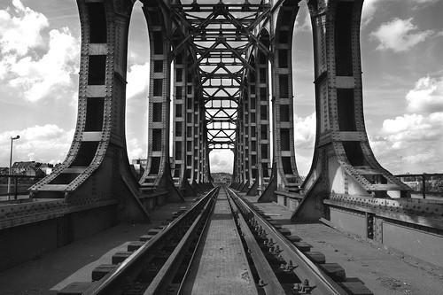 20 черно-белых фотографий мостов совсего мира. Изображение № 1.