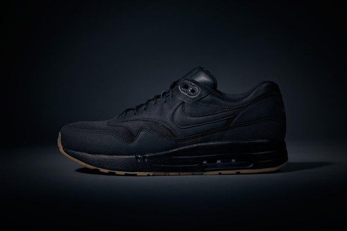Новости коллабораций: Nike Sportswear, Филлип Лим и Onitsuka Tiger. Изображение № 3.