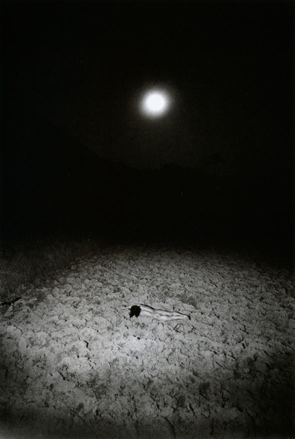 Эйко Хосоэ - фотография, как танец на грани. Изображение № 11.