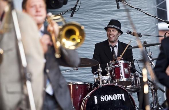 Изображение 1. Возрождение коллектива: St.Petersburg Ska-Jazz Review.. Изображение № 4.