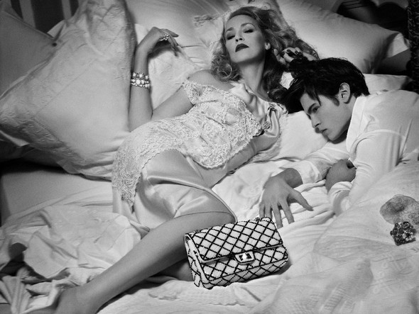 Jerry Hall by Chanel Accesories. Изображение № 10.