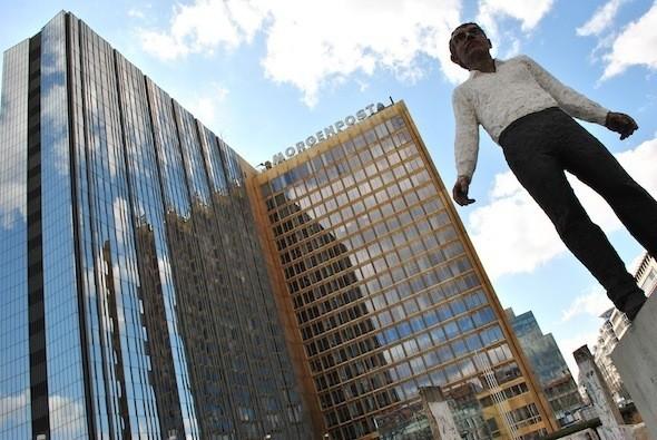 Balancing Act, Stephan Balkenhol. Изображение № 10.