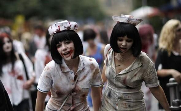 ВоФранкфурте прошел парад зомби. Изображение № 9.