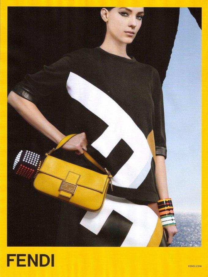 Gucci, Mulberry, Chanel и другие марки показали новые кампании. Изображение № 3.