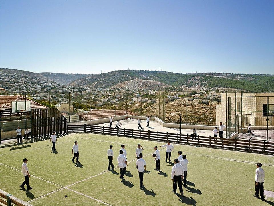 Фото: как выглядят детские площадки вразных странах мира . Изображение № 17.