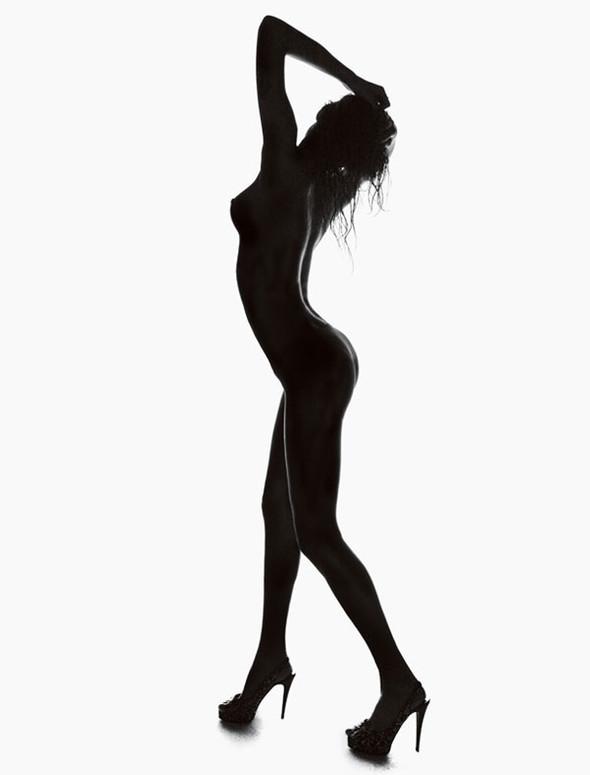 Vogue Homme Brazil Isabeli Fontana by Jacques Dequeke. Изображение № 3.