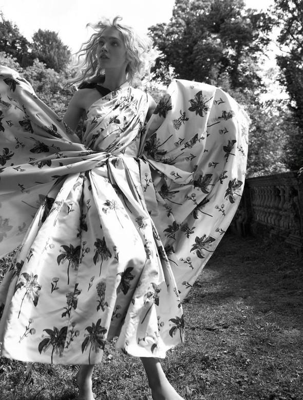 Изображение 9. Саша Пивоварова проснулась в лесу.. Изображение № 10.