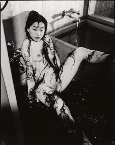 Части тела: Обнаженные женщины на фотографиях 70х-80х годов. Изображение № 138.