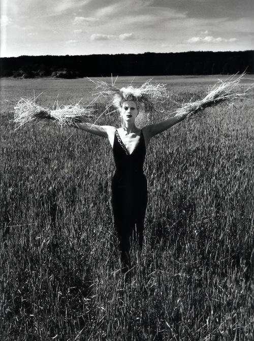 Helmut Newton-гурман женской плоти. Изображение № 4.