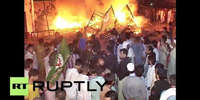 В Пакистане из-за поста в Facebook начались уличные беспорядки. Изображение № 1.