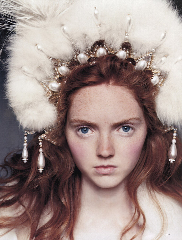 Архивная съёмка: Лили Коул для британского Vogue, 2004. Изображение № 6.