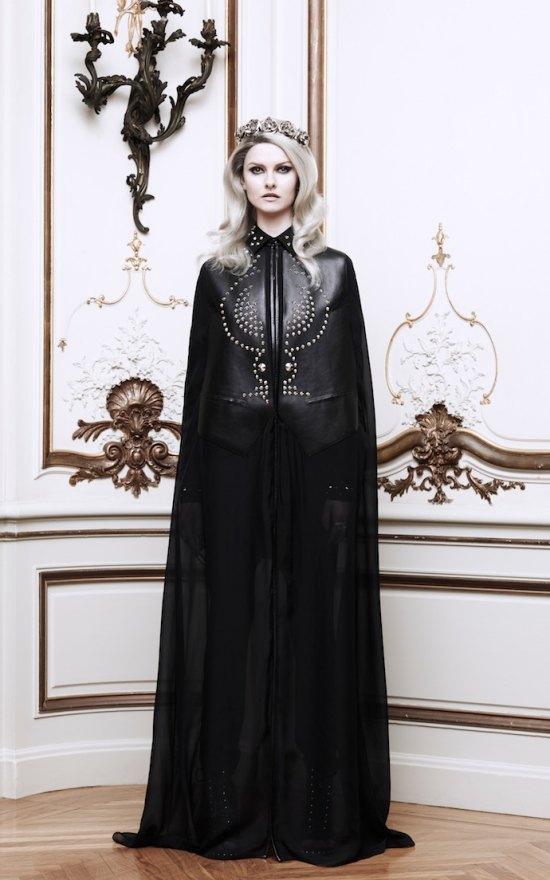Вышли новые лукбуки Alexander McQueen и Moda Operandi. Изображение № 12.