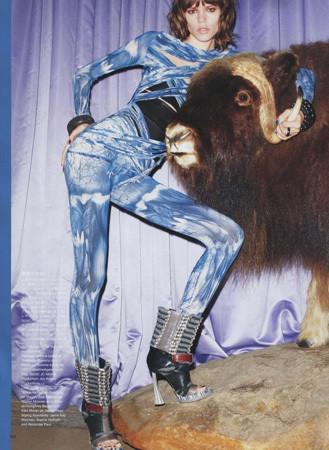 Съемка с Фреей Бехой Эриксен, японский Vogue, март 2010. Изображение № 60.