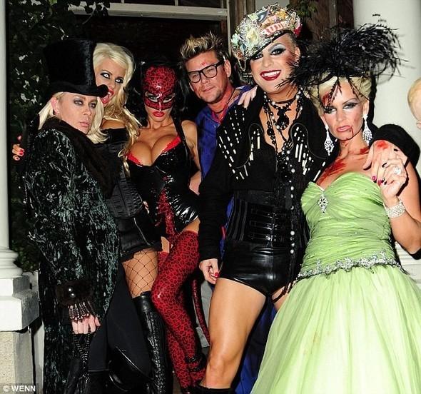 Ghoulish glamour. Готовимся к Хеллоуину. Изображение № 8.