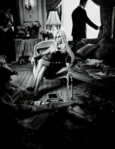Модный дайджест: Белая ворона Хлое Севиньи, архив Vogue и ещё одно интервью с Донателлой Версаче. Изображение № 5.