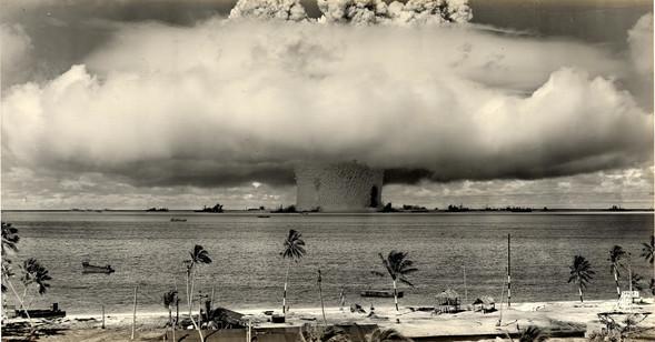 Жизнь вкино после ядерного взрыва. Изображение № 15.