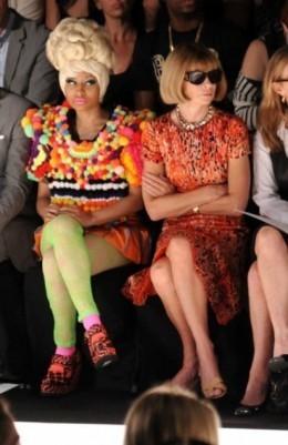 Ники Минаж и Анна Винтур на показе Carolina Herrera SS 2012. Изображение № 3.