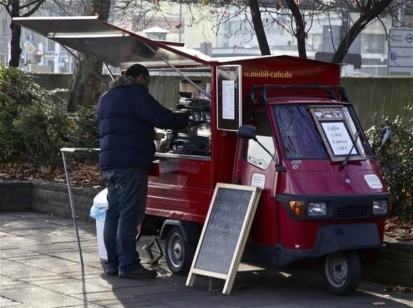 Маленькая кофеяна на колесах. Изображение № 11.