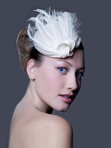Изображение 2. Дамских шляп мастерица.. Изображение № 5.
