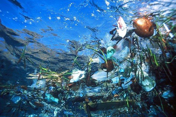 Потерянный рай: Индонезия, серфинг и мусор. Изображение № 1.