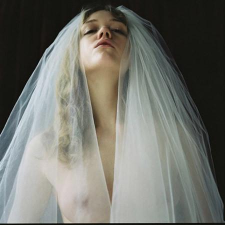 Части тела: Обнаженные женщины на фотографиях 1990-2000-х годов. Изображение №247.
