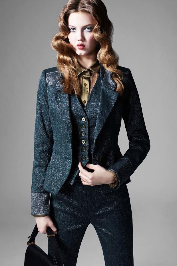 Показаны новые лукбуки Balenciaga, Chanel и Zac Posen. Изображение № 50.