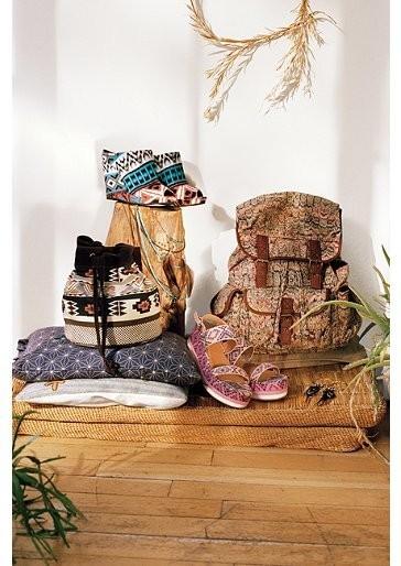 Лукбук: Urban Outfitters January 2012. Изображение № 24.