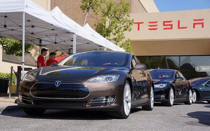Судя по данным отчёта, компании Tesla Motors, которая являются наиболее перспективным производителем электромобилей, придётся серьёзно побороться за свою долю на рынке.. Изображение № 1.