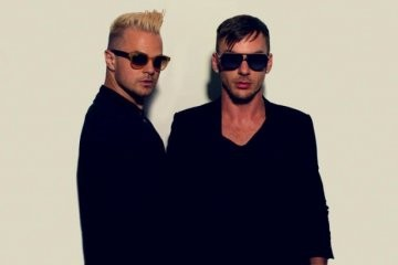Shannon Leto (30 SECONDS TO MARS) & Antoine Becks в СПб. Изображение № 1.