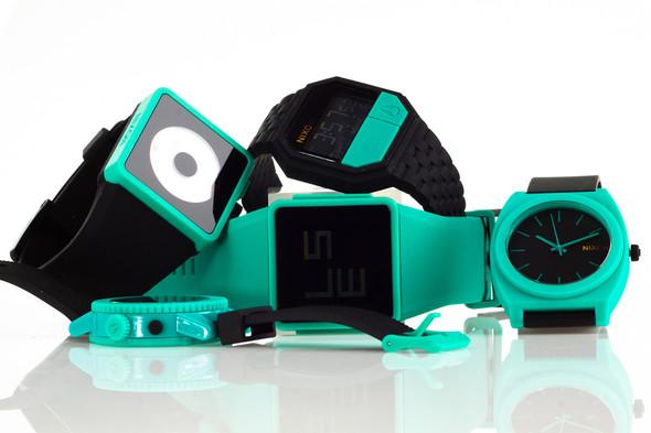 Финальная распродажа часовой марки NIXON.. Изображение № 2.