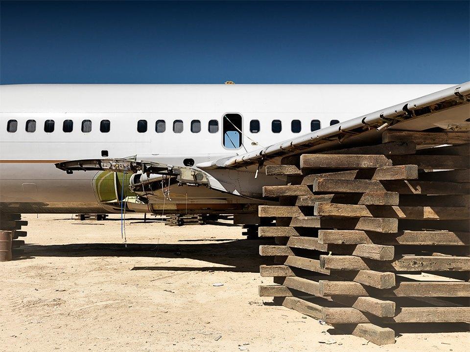 Кладбище самолётов  в выжженной пустыне . Изображение № 18.