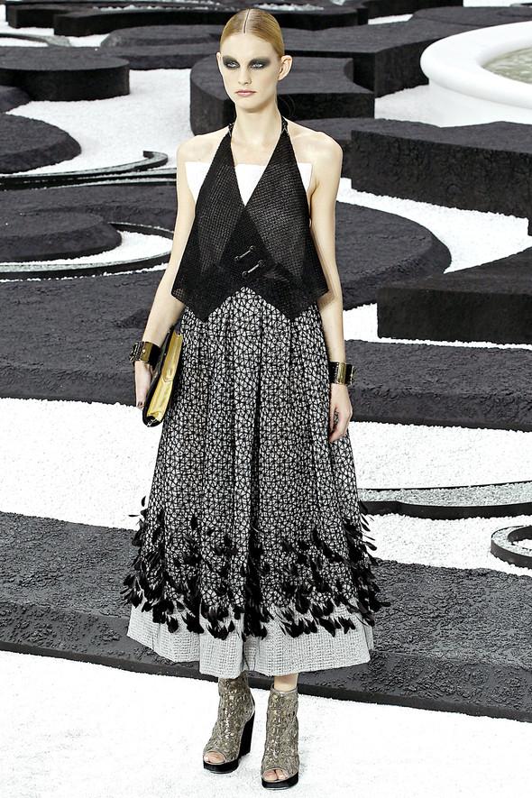 Карл Лагерфельд показал одну из самых красивых коллекций, когда-либо созданных для Chanel. Изображение № 47.