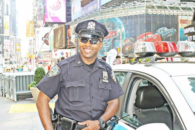 Нью-йоркский полицейский. Изображение № 1.