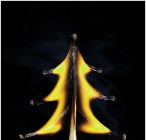 Картины из горящих спичек. Изображение № 3.